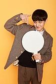 한국인, 고등학생, 교복, 안내판 (표지판), 포인팅 (손짓)