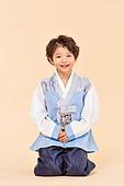 한국인, 어린이 (인간의나이), 한복, 전통문화 (주제), 한국명절 (한국문화), 미소, 세배, 큰절 (한국전통)