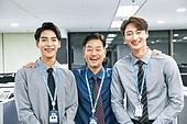 한국인, 비즈니스맨 (사업가), 사무실정치 (주제), 책임자 (전문직), 사원, 회사계층 (고용문제), 미소, 밝은표정
