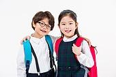 한국인, 초등학생, 신입생, 책가방, 미소, 등하교 (움직이는활동), 어깨동무, 어린이 (인간의나이)