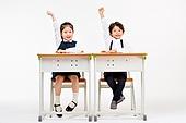 한국인, 어린이 (인간의나이), 초등학생, 학생, 수업중 (교육), 공부 (움직이는활동), 미소, 손들기, 창의성 (컨셉), 자신감