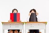 한국인, 어린이 (인간의나이), 초등학생, 학생, 수업중 (교육), 공부 (움직이는활동), 책, 가려진얼굴 (식별할수없는사람)