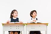 한국인, 어린이 (인간의나이), 초등학생, 학생, 수업중 (교육), 공부 (움직이는활동), 생각하는 (정지활동), 미소