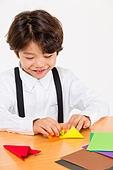 한국인, 어린이 (인간의나이), 초등학생, 종이접기, 창의성 (컨셉), 미소
