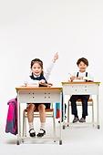 한국인, 어린이 (인간의나이), 초등학생, 학생, 수업중 (교육), 공부 (움직이는활동), 미소, 손들기, 자신감