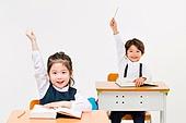 한국인, 어린이 (인간의나이), 초등학생, 학생, 수업중 (교육), 공부 (움직이는활동), 미소, 손들기, 자신감, 밝은표정