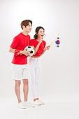 커플 (인간관계), 월드컵축구 (스포츠이벤트), 대한민국 (한국), 환호 (말하기), 축구공, 들어올리기 (물리적활동), 태극기, 환호