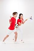 커플 (인간관계), 월드컵축구 (스포츠이벤트), 대한민국 (한국), 환호 (말하기), 축구공, 들어올리기 (물리적활동), 태극기, 화이팅