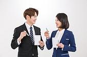 한국인, 여성, 남성, 미소, 투표 (선거), 투표용지 (서류), 투표인증 (투표), 투표용지, 마주보기 (위치묘사)