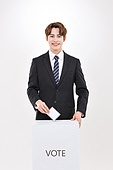 한국인, 남성, 미소, 투표 (선거), 투표함 (인조물건), 선거 (사건), 투표함, 투표용지 (서류)