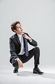 한국인, 비즈니스, 비즈니스맨, 행동 (모션), 활력 (컨셉), 앉기 (몸의 자세)