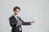 한국인, 비즈니스, 비즈니스맨, 행동 (모션), 활력 (컨셉), 플렉서블디스플레이 (액정화면)