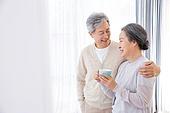 한국인, 노인, 부부, 노인커플 (이성커플), 행복, 애정 (밝은표정), 미소, 포옹 (홀딩), 휴식