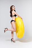 여성, 비키니, 수영복, 여름, 물놀이튜브 (부풀림), 미소, 밝은표정