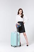 한국인, 여성, 비즈니스우먼, 바퀴달린여행가방 (짐), 휴가, 여행, 미소