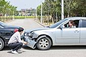도로, 자동차, 사고, 교통사고, 파괴 (컨셉), 여성, 걱정 (어두운표정), 충돌사고, 시비