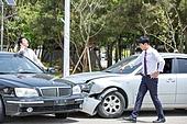 도로, 자동차, 사고, 교통사고, 파괴 (컨셉), 통화중, 걱정 (어두운표정), 충돌사고, 시비, 고통 (컨셉), 불만