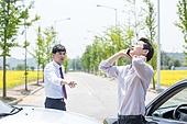 도로, 자동차, 사고, 교통사고, 파괴 (컨셉), 통화중, 걱정 (어두운표정), 충돌사고, 시비