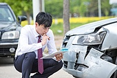 도로, 자동차, 사고, 교통사고, 자동차보험, 파괴 (컨셉), 걱정 (어두운표정), 충돌사고, 시비, 직업 (역할), 보험설계사 (금융직)