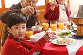 Chinese new year to eat the little boy