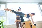 필라테스 (이완운동), 필라테스기계 (운동기구), 다이어트, 코치, 가르치는 (움직이는활동), 콤비체어
