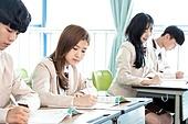 학교생활, 교복 (유니폼), 고등학생, 공부 (움직이는활동), 수업중 (교육)