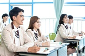 학교생활, 교복 (유니폼), 고등학생, 공부 (움직이는활동), 수업중 (교육), 미소