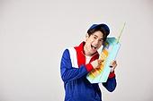 남성, 레트로스타일 (컨셉), 강렬한색채, 전화기 (원거리통신장비), 통화중, 미소