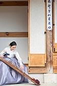 한국인, 여성, 전통문화 (주제), 가야금, 현악기연주 (플레이)