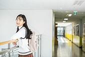 고등학생, 복도 (건물의부분), 교복, 미소, 책가방, 기댐 (정지활동)
