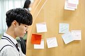 고등학생, 교복, 독서실, 공부 (움직이는활동), 수험생, 남학생, 포스트잇