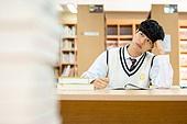 고등학생, 교복, 도서관, 책, 공부, 학생, 공부 (움직이는활동), 스트레스, 불만, 딴청, 남학생, 십대소년 (남성)