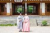 커플, 한복, 전통의상, 한옥 (한국전통), 마당 (택지)
