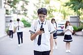 고등학생, 등하교, 교복 (유니폼), 스마트폰, 스몸비 (컨셉)