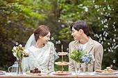 결혼 (사건), 스몰웨딩, 정원, 결혼식, 신랑, 신부 (결혼식역할), 마주보기 (위치묘사)