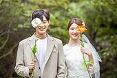 결혼 (사건), 스몰웨딩, 정원, 꽃, 결혼식, 신랑, 신부 (결혼식역할)
