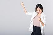 비즈니스, 여성, 20-29세 (청년), 비즈니스우먼, 미녀 (아름다운사람), 성인여자, 사무실, 도시생활, 누끼, 한국인, 동양인 (인종), 영업사원 (판매업), 워킹맘, 라이프스타일, 화이팅, 제스처, 손짓 (제스처), 기쁨 (컨셉), 즐거움 (컨셉), 행복