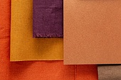 탑앵글, 스튜디오촬영, 재질 (물체묘사), 백그라운드, 오브젝트 (묘사), 패턴, 컬러, 레이아웃, 조각물 (미술품), 옷감샘플 (천), 천 (재료), 종이, 금속