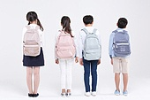 초등학생, 어린이 (인간의나이), 누끼, 교육 (주제), 공부, 등하교 (움직이는활동), 피로 (물체묘사), 스트레스