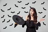 여성, 할로윈 (홀리데이), 마녀, 코스튬, 마녀모자 (모자), 박쥐, 패턴, 마술, 미소, 만족