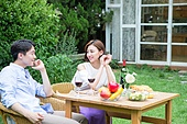 커플의 야외식사
