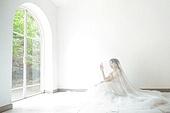 신부 (결혼식역할), 결혼 (사건), 웨딩드레스 (드레스), 베일 (액세서리), 순수