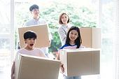 한국인, 가족, 함께함 (컨셉), 미소, 이사, 상자 (용기)