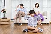 아빠, 엄마, 부부, 갈등, 손바닥으로귀막기 (만지기), 가족, 문제 (컨셉)