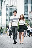 커플, 데이트, 도시, 한국인, 동양인 (인종), 로맨스 (컨셉), 로맨틱, 스킨십 (밝은표정), 마주보기