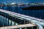 서울 (대한민국), 한국 (동아시아), 도시, 도심지 (구역), 도시풍경 (풍경), 한강 (강), 도로, 교통, 교통체증 (교통), 야경, 다리 (인공구조물), 풍경 (컨셉), 여의도동 (영등포구)