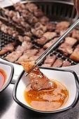 구이,돼지고기,목살,소스