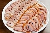 구이,오리훈제,돼지고기