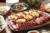 고기,훈제오리,구이,상차림