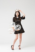 여성, 검정색 (색상), 블랙프라이데이, 드레스 (의복), 헤어스타일, 미소, 풍선